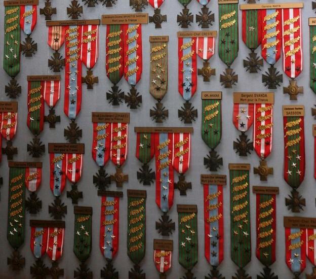 800px-Decorations-legion